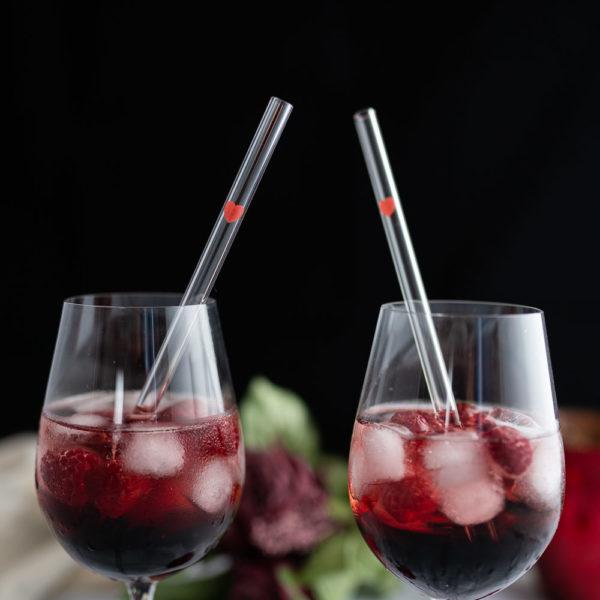 Glasstrohhalme mit Herz als Geschenk zum Valentinstag